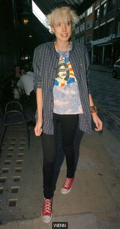 Agyness Deyn in a faux-vintage Sex Pistols t-shirt Agyness Deyn, Pistols, Pants Outfit, Celebrity Style, Fashion Outfits, Models, My Style, Celebrities, How To Wear