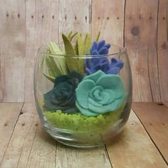 Felt succulent glass terrarium succulent by ForeverFeltDesigns Dyi Flowers, Cloth Flowers, Felt Flowers, Fabric Flowers, Paper Flowers, Felted Wool Crafts, Felt Crafts, Fabric Crafts, Diy Crafts