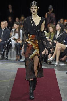Givenchy RTW Fall 2015 | WWD