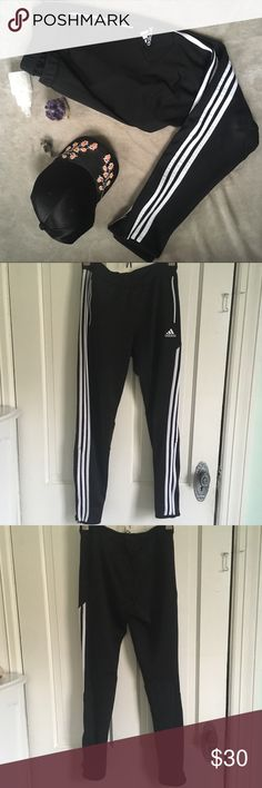 Adidas Skinny Leg Jogger Track Pants EUC. Tiny pulls under butt area. adidas Pants Track Pants & Joggers