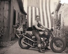 Greasy Kulture Magazine and Merchandise - For lovers of traditionally styled old Harley choppers, bobbers and hot rods Hd Vintage, Vintage Bikes, Vintage Photos, Vintage Man, Vintage Designs, Vintage Stuff, Style Bobber, Hot Rods, Art Of Manliness