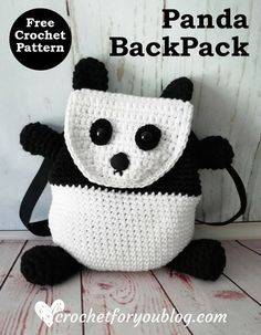 Crochet Panda Backpack Free Pattern #crochetforyoublog #freecrochetpattern #crochetpanda #crochetbackpack Crochet Purses, Crochet Bags, Crochet Gifts, Crochet Handbags, Crochet Doilies, Crochet For Boys, Easy Crochet, Free Crochet, Crochet Children