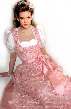 884cf55e234e Loving Julia Valentina Lederhosen, Dirndl Dress, Traditional Dresses,  Beautiful Dresses, Pretty Dresses