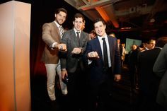 Kris Letang, Evgeni Malkin, and Sidney Crosby show off their 2016 Stanley Cup Championship rings. Pens Hockey, Ice Hockey Teams, Hockey Players, Hockey Stuff, Sports Teams, Pittsburgh Sports, Pittsburgh Penguins Hockey, Penguins Players, Evgeni Malkin
