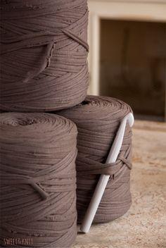 Crochet Mandala, Crochet Art, Crochet Crafts, Home Crafts, Arts And Crafts, Diy Crafts, Room Decor Bedroom, Macrame, Grande