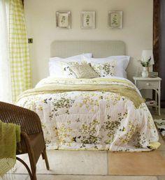 Спальня в стиле французской деревни