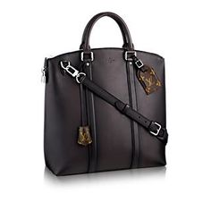 LOUIS VUITTON Official USA Website - Discover Louis Vuitton's designer leather bags for men, featuring tote bags, backpacks, and more, made with outstanding craftsmanship and high quality materials. Louis Vuitton Designer, Louis Vuitton Handbags, Men's Totes, Purses And Bags, Men's Bags, Canvas Tote Bags, Fashion Bags, Briefcases, Natural Leather