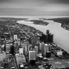 Rivière du Détroit - Jon DeBoer belle isle in the center of the Detroit river Detroit Downtown, Detroit Map, Detroit Skyline, Detroit History, Detroit Area, Detroit Tigers, Seattle Skyline, New York Skyline, State Of Michigan