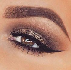 Brown and gold make-up