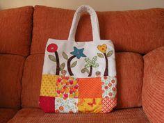 Mi rinconcito de labores: Bolso aplicaciones patchwork Fabric Bags, Diaper Bag, Burlap, Reusable Tote Bags, Bowls, Baskets, Google, Women Bags, Embroidered Bag