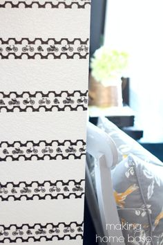 Use washi tape in a pattern to create a fun accent wall. Perfect for rentals. Washi Tape Crafts, Paper Crafts, Cool Diy Projects, Duct Tape, Decorating On A Budget, Decoration, Diy Home Decor, Easy Diy, Create