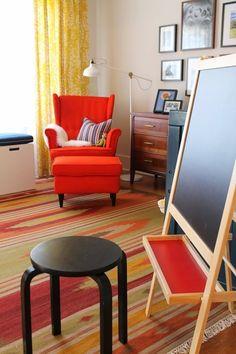 Rug, dresser, and color