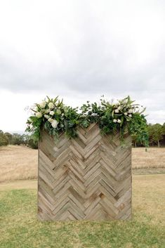36 Rustic Wedding Decor For Country Ceremony ? rustic wedding decor backdrop wooden with greenery and white flowers tim coulson Wood Wedding Decorations, Diy Wedding Crafts, Rustic Centerpieces, Diy Crafts, Rustic Photography, Wedding Photography, Outdoor Photography, Photography Props, Children Photography