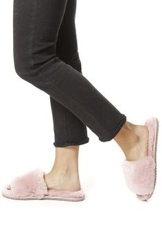 Deep Classic Pink Luxury Sheepskin Slides Shop Now, Slippers, Footwear, Cozy, Deep, Luxury, Classic, Clothing, Pink