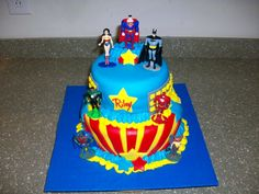 Justice League cake, wow!