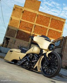 Built by @seen_it photo by @shooters_images #baggermilitia #militiaindustries