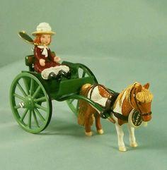 Hantel-Victorian-Miniatures-LE-Rachels-Shetland-Pony-Trap-Girl-Enamel-Pewter
