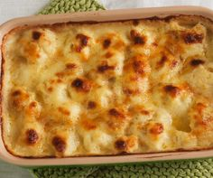 Roasted Cauliflower with Cheddar Cheese Sauce Recipe Cauliflower Casserole, Roasted Cauliflower, Cauliflower Cheese, Cauliflower Recipes, Veggie Recipes, Dinner Recipes, Cooking Recipes, Alkaline Recipes, Oven Recipes
