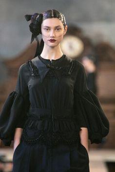 Comme des Garçons at Paris Fashion Week Fall 2006 - Runway Photos