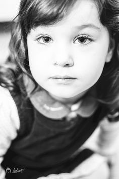 Ledurt // Yan Trudel est designer graphique et photographe à Gatineau, se passionnant pour la photographie; nouveau-né, maternité, enfant, boudoir, famille. Boudoir Couple, Gatineau, Children Photography, Designer, Kids, Chart, Baby Born, Children, Photography