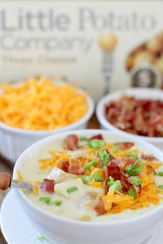 An easy Crockpot Cheddar Bacon Ranch Potato Soup! Tender potatoes in a creamy soup filled with cheesy flavor and topped with crispy bacon! Best Crockpot Recipes, Slow Cooker Recipes, Soup Recipes, Cooking Recipes, Crockpot Meals, Copycat Recipes, Potato Recipes, Cooking Tips, Chicken Recipes