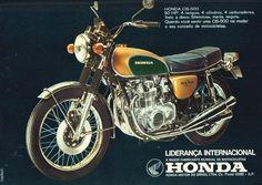 Fórum Motonline :: Topic: Propagandas de motos antigas! (1/10) Moto Car, Moto Bike, Chicago Cubs History, Honda Cb 500, Motos Honda, Scooters, Vintage Ads, Vintage Advertisements, Old Motorcycles