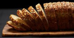 http://www.mindmegette.hu/A házi kenyér ízletesebb, mutatósabb és egészségesebb, mint a bolti. Ráadásul tartósítószer-mentes. Elkészítése egyszerű és rendkívül látványos. Próbáld ki te is receptjeinket, és varázsolj ropogós, aranybarna kenyeret az asztalra!