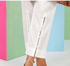 Stylish Kulot Pants For The Best Fashion 27 Salwar Designs, Kurti Designs Party Wear, Blouse Designs, Kurti Sleeves Design, Sleeves Designs For Dresses, Salwar Pants, Patiala Salwar, Sharara, Pants Pattern