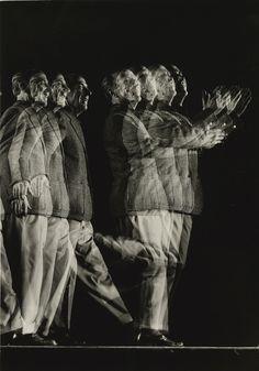 Gjon Mili (1904-1984) EDWARD WESTON (STROBOSCOPIC PORTRAIT) 1946 History Of Photography, Creative Photography, Henry Westons, Gjon Mili, Distorted Images, Photo Class, Edward Weston, Black Backgrounds, Photo Art
