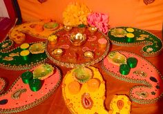 My sunshine collection of Mehndi plates. See www.facebook.com/mehnditraysforfun for more fun and inspiring ideas for your mehndi