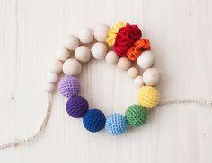 Arc en ciel soins infirmiers Collier / Collier de dentition / Crochet soins collier avec fleurs - multicolore, coloré, lumineux