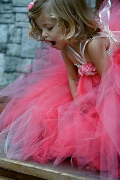 flower girl in tutu :) i love it~