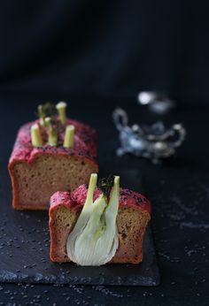Salty beetroot plumcake with whole fennel and black sesame Surprise your guests with this tasty and original #salty #plumcake #healthy & #skinny #recipe