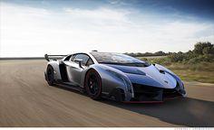 CNN.co.jp : ランボルギーニの新型車「ヴェネーノ」を見る - (2/4)