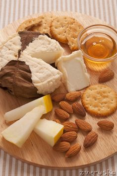 #Formaggi - cheese, pears, crackers and nuts with honey - yum!