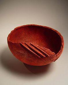 Red vessel with linear motif - Ogawa Machiko  Stoneware with iron-oxide glaze -2012