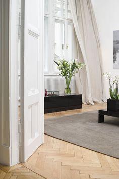 Was sich alles bewegt, wenn neue Vorhänge in eine Wohnung einziehen! Nice Asses