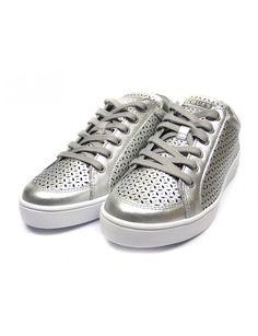 7225b7de5e2 Guess Glinna sneakers - zilver vind je Emmen schoenen de (online) winkel  voor mooie