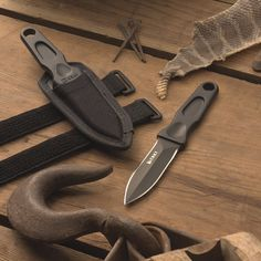Sting Tactical Fixed Blade Knife | CRKT