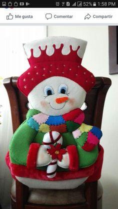Best 12 Molde papai noel para imprimir - Criativo Ok Christmas Chair, Felt Christmas Decorations, Christmas Tablescapes, Christmas Wood, Christmas Projects, Vintage Christmas, Christmas Holidays, Christmas Gingerbread, Christmas Snowman