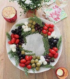 This antipasti platter is perfect for holiday parties! Share how you're celebrating by usingfrom This antipasti platter is perfect for holiday parties! Share how you're celebrating by using Christmas Entertaining, Christmas Party Food, Christmas Snacks, Xmas Food, Christmas Baking, Holiday Parties, Antipasti Platter, Charcuterie, Food Garnishes