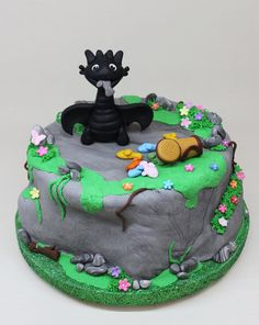 How To Train Your Dragon Cake by Violeta Glace