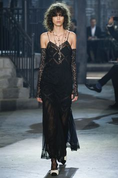 black dress  lace so cute!!  pre fall 2016 | cruise See the complete Chanel Pre-Fall 2016 collection.