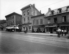 Red light district 1946 near St. Quebec Montreal, Old Montreal, Montreal Ville, Quebec City, Vintage Pictures, Old Pictures, Rue Sainte Catherine, Catherine Street, Red Light District