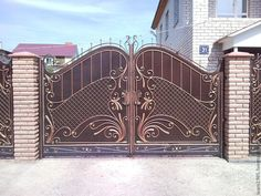 House Front Door Design In India Gate Wall Design, Front Gate Design, Main Gate Design, Entrance Design, Entrance Gates, Main Door Design Photos, House Main Door Design, Latest Gate Design, Door Design Catalogue