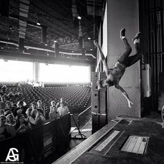 This is seriously one of the sickest photos I have seen. Jason Aalon Butler of Letlive Warped Tour 2013 Music Love, My Music, Jason Butler, Warped Tour, Of Mice And Men, Brand Building, Concert Photography, Pierce The Veil, Pop Punk