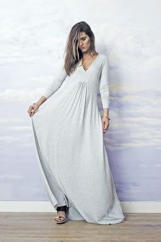 long maxi sweatshirt dress by RISK. Long sleeve, super comfy. Great for pregnant women outfit