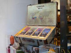 PLANarama Visual merchandising display unit for Godiva