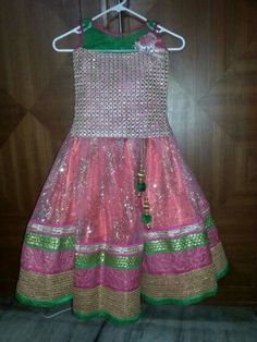 Kids Ethnic Wear, Kids Party Wear, Kids Lehenga, Frocks For Girls, Kids Patterns, Ethnic Fashion, Indian Dresses, Kids Clothing, Cloths