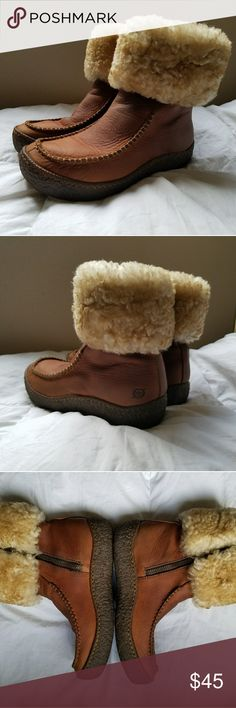 Born leather and Shearling boots Excellent pre-owned condition from clean non-smoking home. BORN hand crafted leather and shearling boots. Side zip. Size 6/36.5 Born Shoes Winter & Rain Boots